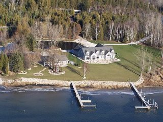 Beautiful Watefront Home with Swimming Pond - South Unit, Sturgeon Bay