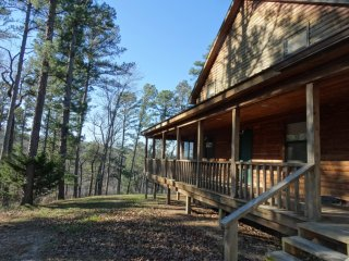 Bluff View Cabin sleeps 22  over White River Valley with wifi, Mountain View