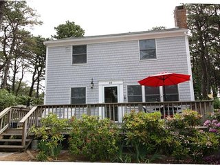 Sweet Vacation Rental Near the Bay, Wellfleet