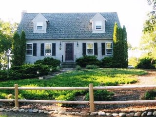 Charming Home with Pond Access!