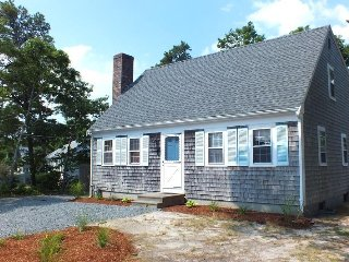 4BR Dennis Port Home Near Sea Street Beach