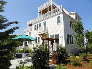 JUST LISTED!!  Newly Built Townhome, Pet Friendly, Provincetown