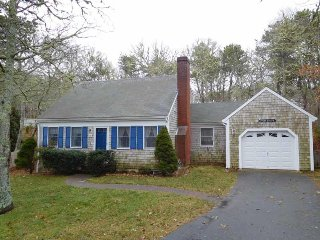 NEWLY LISTED - Pet friendly home with central air, Chatham