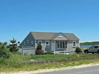 Beach Point Property with Air Conditioning & Beach Access!, North Truro