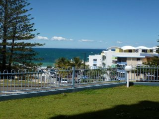 Ryson Unit 2 Kings Beach QLD