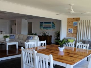 5 Margaret St Kings Beach QLD