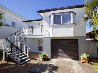 49 Henzell Street  Dicky Beach QLD