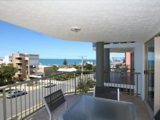 Sanctuary Seas Unit 4 Kings Beach QLD