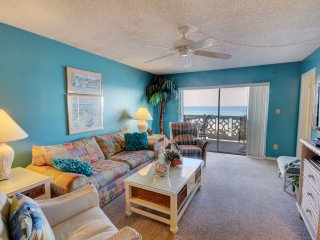 Spectacular Views Condo w/Balcony, Pool, Tennis, Private Beach Access, & More!