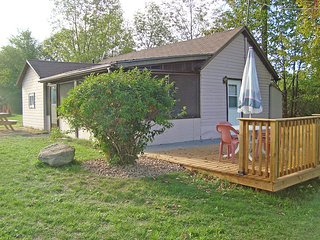 # 3 Home Away From Home cottage (#1063), Havelock