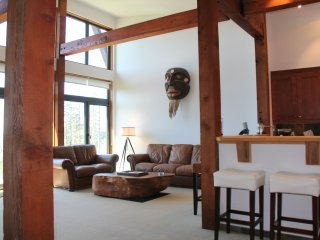 Pacific Coast by Natural Elements Vacation Rentals, Ucluelet
