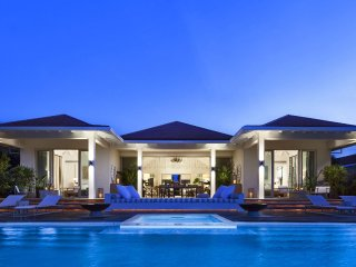 Secluded Turks and Caicos Luxury Beachfront Villa in Grace Bay Club