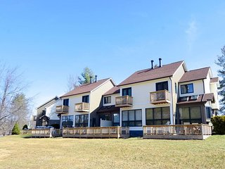 Located at the corner of convenience and comfort, Ski Harbor #37 offers a great