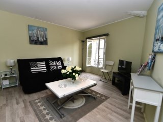 Studio apartment in the center of Cannes with Air conditioning (502841)