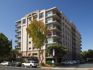 Convenient 2 bedroom apt very close to Stanford and right in downtown Palo Alto