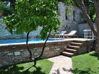 Goldsmith House pool