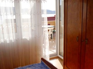 Metajna VI Two bedroom apartment 2 with balcony 6p