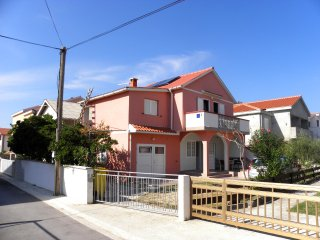 Kip Nin - Two bedroom apartment with balcony - 5p