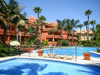 PUERTO BANUS EL EMBRUJO MARBELLA STUNNING APARTMENT CLOSE TO THE BEACH