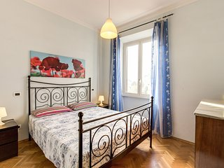 Amazing 3 bedrooms apartment in Vatican zone. Up to 6 people.