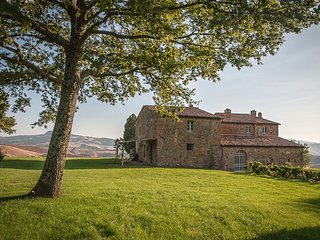 Six bedroom designer villa set amongst the vineyards, Castiglioncello del Trinoro