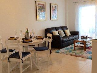 La Casita - Light spacious apartment near to Llenaire beach. Roof terrace BBQ., Port de Pollenca