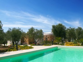 257 Luxury Villa with Pool at 800m from Beach