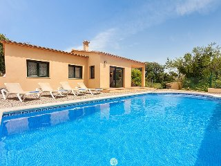Villa 865 m from the center of Calonge with Internet, Parking, Terrace, Washing