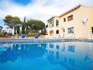 Villa in Calp with Parking, Terrace, Garden, Washing machine (106125)