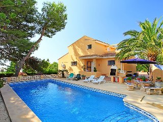 Villa in Calp with Internet, Air conditioning, Parking, Terrace (106167)