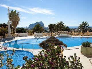Villa in Calp with Internet, Air conditioning, Parking, Terrace (106207)