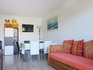 Apartment 261 m from the center of Cagnes-sur-Mer with Lift, Balcony, Washing