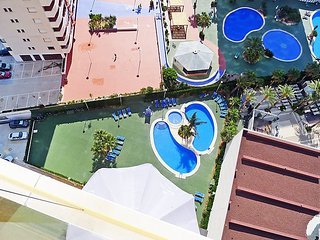 """Apartment a short walk away (292 m) from the """"Playa Cantal Roig"""" in Calp with"""
