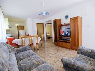 Apartment in Banj with Terrace, Air conditioning, Internet, Parking (262853)