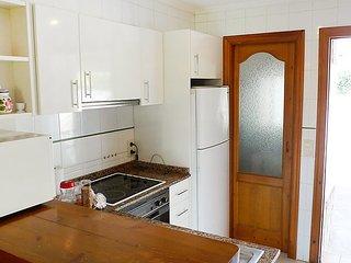 """Apartment a short walk away (93 m) from the """"Playa del Racó de la Alberca"""" in"""