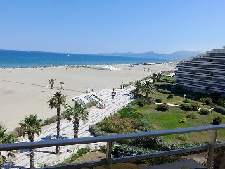 Apartment in Canet-en-Roussillon with Lift, Parking, Terrace, Balcony (330661)