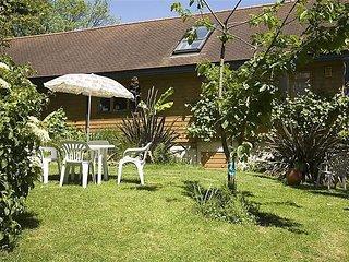 Apartment in Brighton with Internet, Parking, Garden, Washing machine (338098)