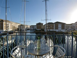 Apartment in Brighton with Internet, Parking, Balcony, Washing machine (338139)