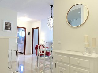 """Apartment a short walk away (192 m) from the """"Playa del Cristo"""" in Estepona"""