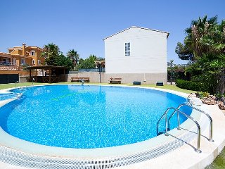 Villa 1.5 km from the center of Calp with Internet, Air conditioning, Parking