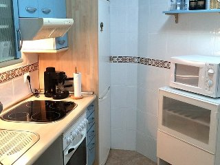 """Apartment a short walk away (190 m) from the """"Playa de la Rada"""" in Estepona"""
