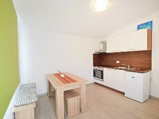 Apartment in Banj with Internet, Parking (529448)