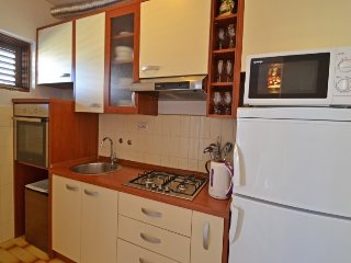 Apartment in Banj with Terrace, Air conditioning, Parking, Washing machine (632711)