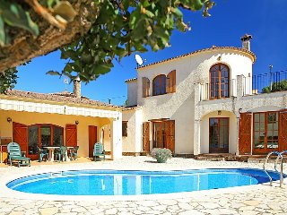 Villa 269 m from the center of Calonge with Internet, Parking, Terrace, Washing