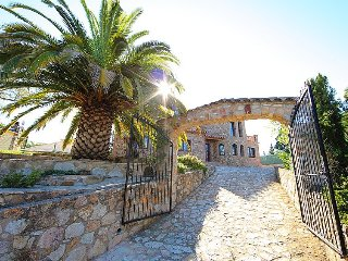 Villa 310 m from the center of Calonge with Internet, Parking, Terrace, Washing