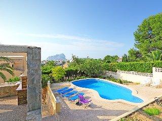 Villa in Calp with Internet, Parking, Terrace, Garden (90437)