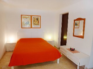 Villa in Calp with Internet, Air conditioning, Parking, Terrace (90469)