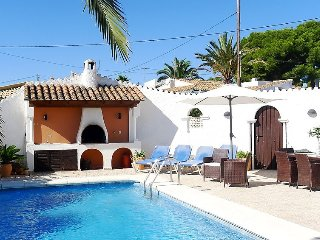"Villa a short walk away (161 m) from the ""Cala del Mallorquí"" in Calp with"