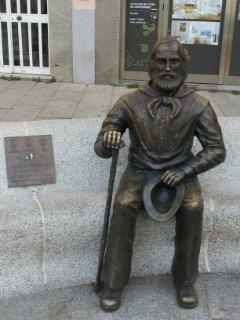 La Maddalena, Town Hall Square: Monument to Garibaldi, the most illustrious Citizen