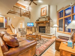 Beautifully Appointed Luxury Town Home, Steamboat Springs